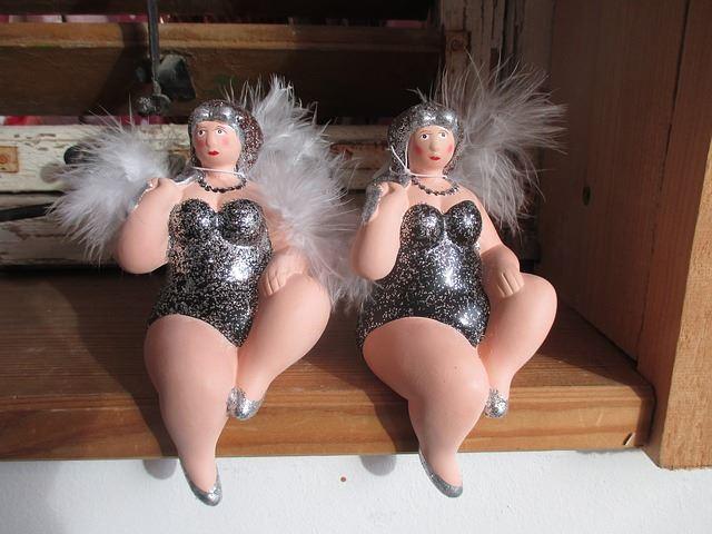 太った天使人形
